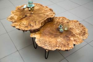 Журнальный столик из спилов тополя