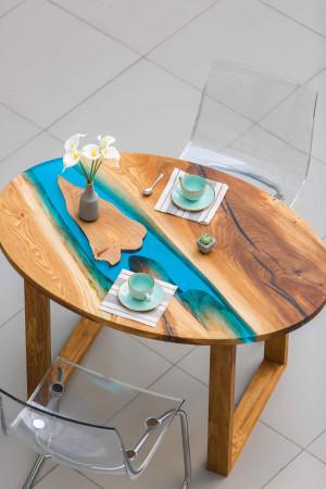 Обеденный стол с голубой рекой из слэба карагача