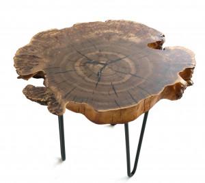 Журнальный столик из спила карагача