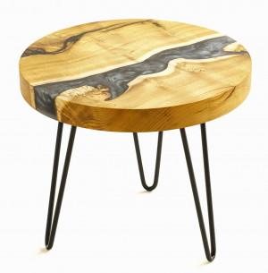 Журнальный столик с серой перламутровой рекой