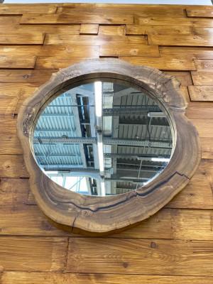 Зеркало из капового карагача