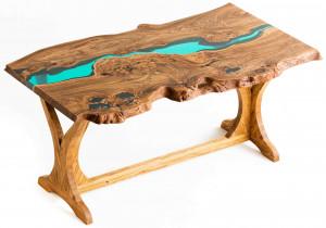 Стол из карагача с голубой рекой