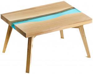 Журнальный столик из ясеня с голубой рекой