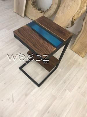 Придиванный столик из эпоксидной смолы