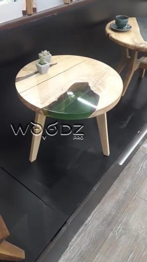 Стол из карагача с зеленой заливкой