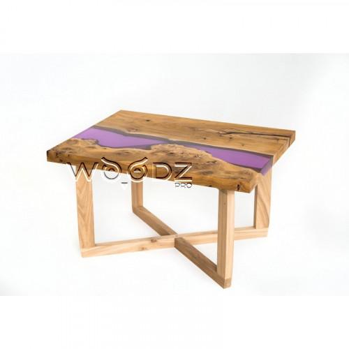 Журнальный стол из массива с фиолетовой рекой