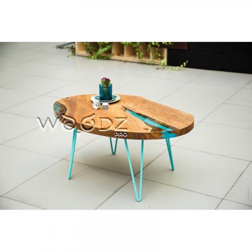 Журнальный стол из Карагача с заливкой