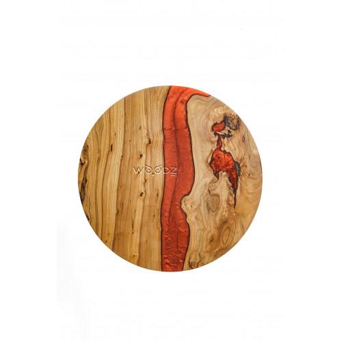 Столик с красной перламутровой рекой
