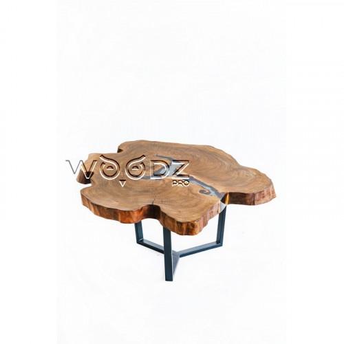 Столик из спила карагача с серой заливкой