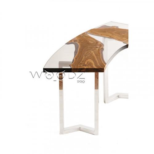 Рабочий угловой стол с прозрачной заливкой