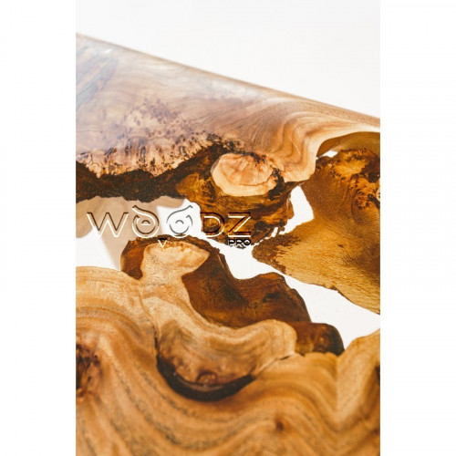 Обеденный стол из слэба карагача с прозрачной рекой