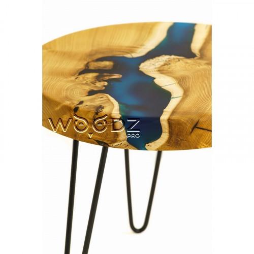 Журнальный столик из шелковицы с синей рекой