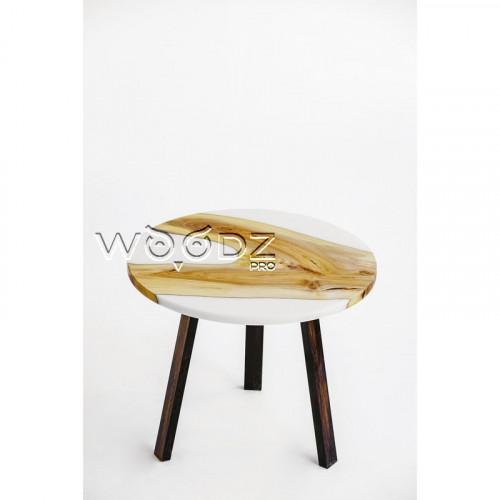 Обеденный стол из ореха с белой заливкой