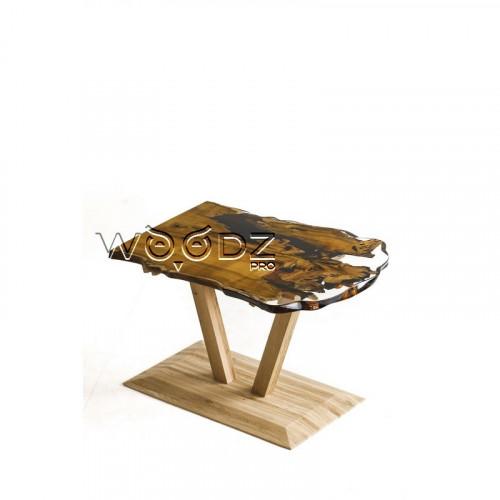 Стол из шелковицы в прозрачной смоле
