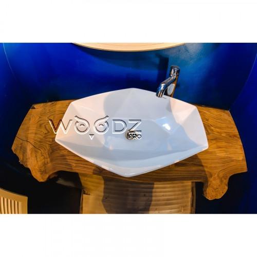 Столешница из карагача в ванную комнату