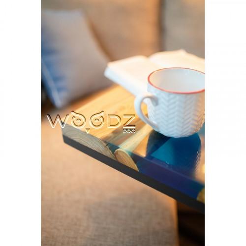 Придиванный столик с рекой синего цвета