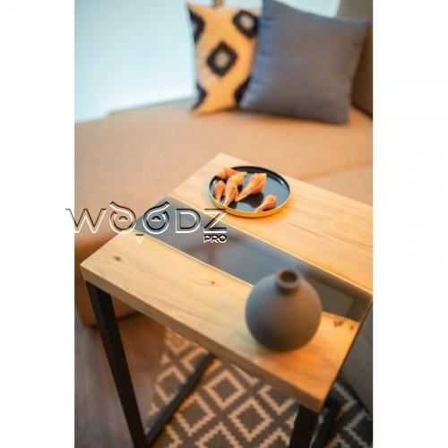 Придиванный столик из акации с рекой