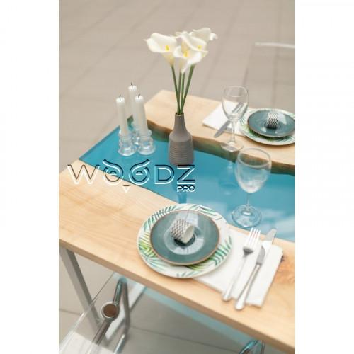 Обеденный стол с голубой рекой из клена