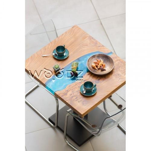 Стол из слэба карагача с серебряно-голубой рекой