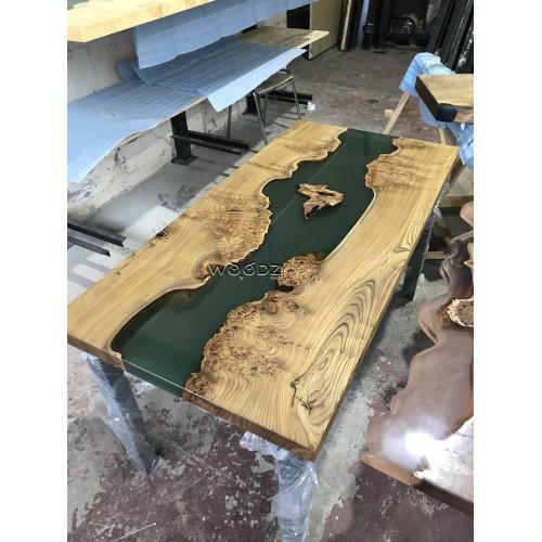 Обеденный стол из массива с зеленой рекой