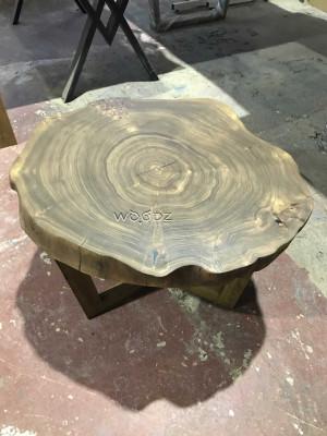 Журнальный столик из массива карагача