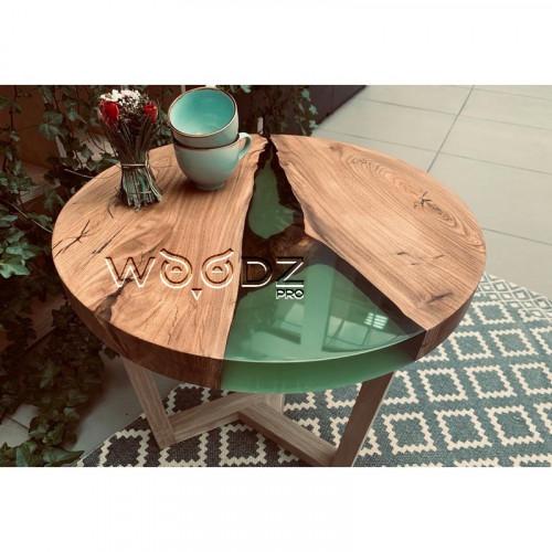 Журнальный столик из Карагача с зеленой рекой