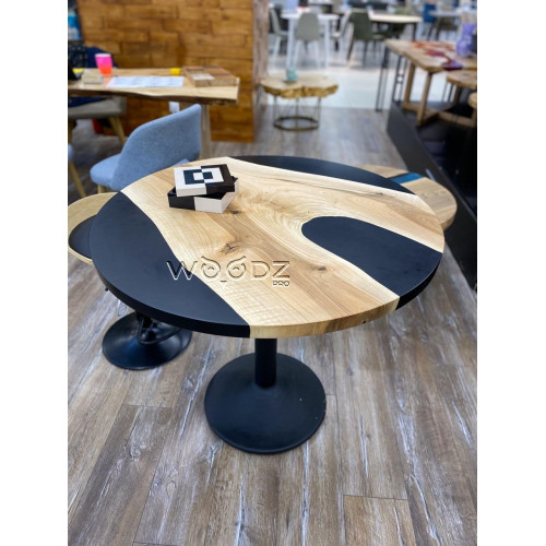 Обеденный стол из ореха с черной матовой заливкой - Model 124